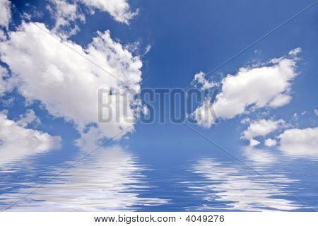 Incredible cloudshape at the IJsselmeer in the Netherlands