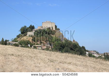 Rossena Castle