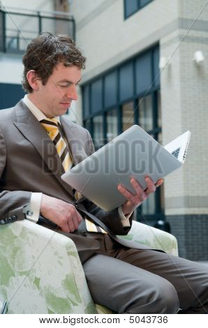 Laptop Reading