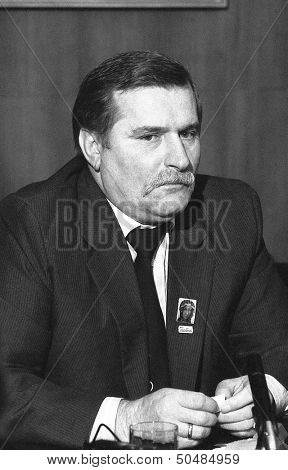LONDON - NOVEMBER 30: Lech Walesa, President of Poland, attends a press conference at the Trades Union Congress on November 30, 1989 in London.