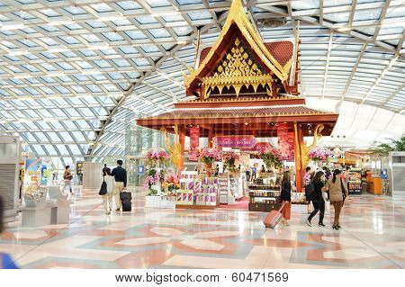 BANGKOK, THAILAND - OCT 27,2011:  Bangkok Airport interior. Thailand. Suvarnabhumi Airport is one of two international airports serving Bangkok, Thailand.