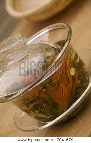 Chinese Green Tea in Gaiwan