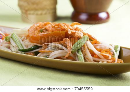 Thai Papaya Salad Topping With Dry Shrimp