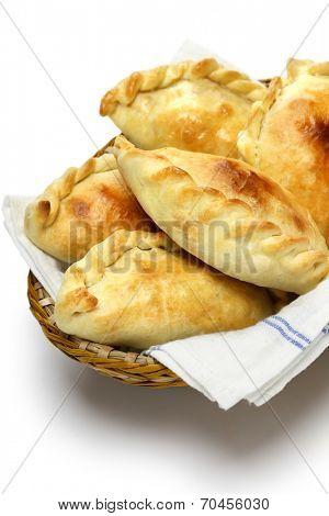 empanadas de pollo, chicken empanada, argentina food