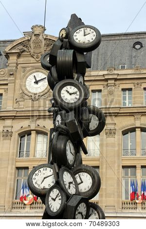 PARIS - NOVEMBER 09: L'Heure de Tous monument, Saint-Lazare train station in Paris November 09, 2012 in Paris, France.