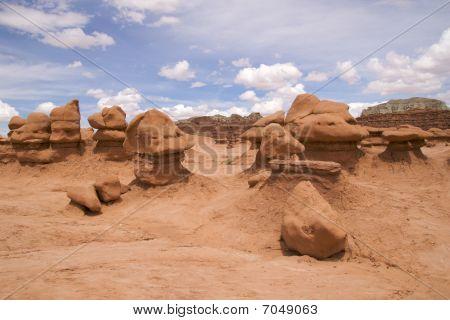 Bizarre sandstone formations, Goblin Valley