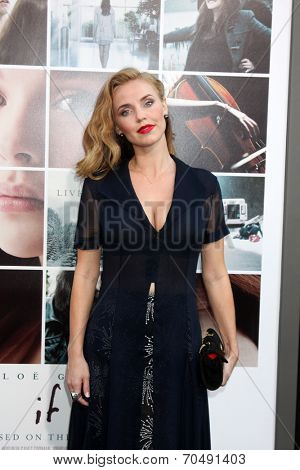 LOS ANGELES - AUG 20:  Kelli Garner at the
