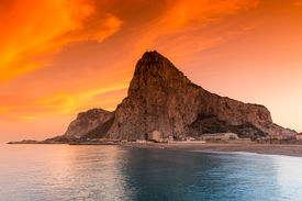 foto of gibraltar  - The rock of Gibraltar seen from the bay - JPG