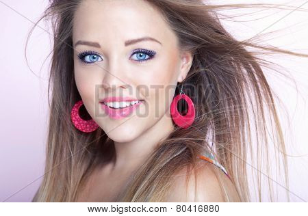Portrait of young attractive cheerful woman, beauty style concept
