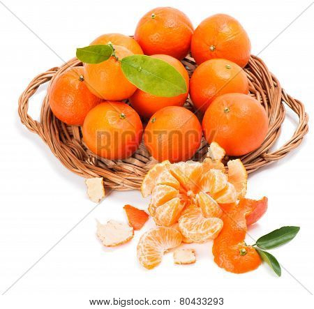 Clementines With Segments With Leaves