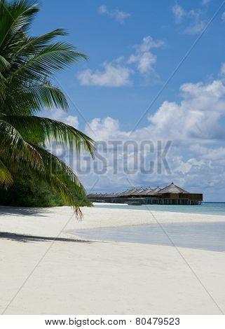 Water villas at the noon - Maldivian scenery
