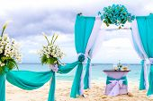 picture of arch  - beautiful wedding arch - JPG