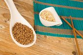 picture of citronella  - Dried coriander seeds and chopped lemon grass - JPG