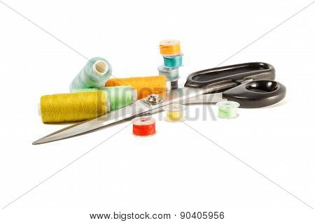 Colored bobbins for sewing machine