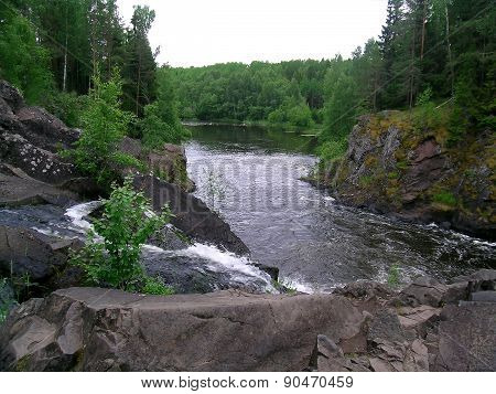 Kivach waterfall and Suna river