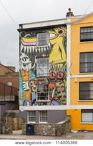 April 2014 - Bristol, United Kingdom: A Graffiti On The Front Facade Of A House and An Owl