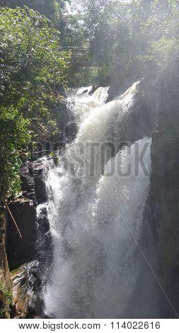 caídas de agua