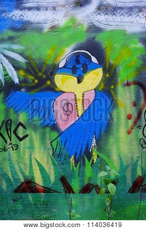Peace bird graffiti, Bali