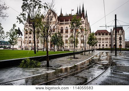 view on square and National Hungarian Parliament
