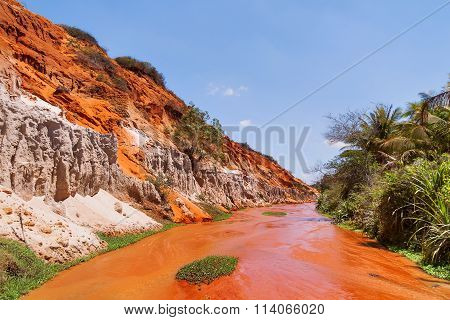 Fairy Stream (suoi Tien), Red River Between Rocks And Jungle. Vietnam.