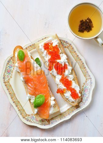 sandwiches with soft cheese smoked salmon and caviar