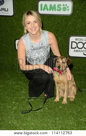 LOS ANGELES - JAN 9:  Ali Fedotowsky at the The CW World Dog Awards at the Barker Hanger on January 9, 2016 in Santa Monica, CA