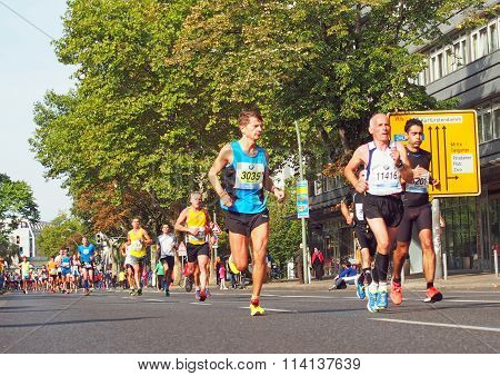runners at Berlin Marathon 2014