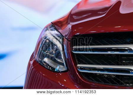 Zoom Sports Car Headlight In Car Show Event