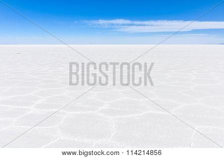 View Of Infinity In Salar De Uyuni, Bolivia
