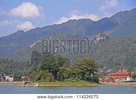 Lakeside view of sapa town