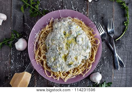 Pasta with cream mushroom sauce