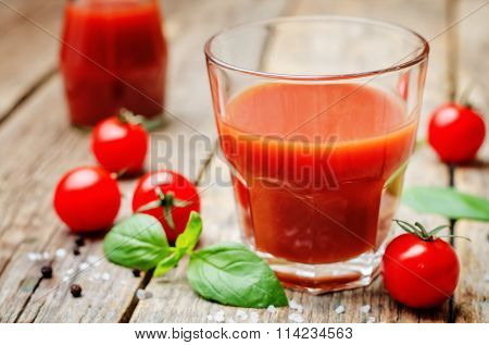 Tomato Juice With Tomatoes