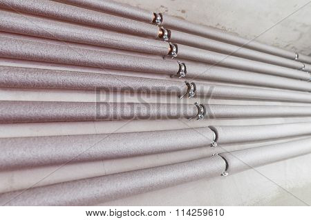 Heating copper mounted pipes