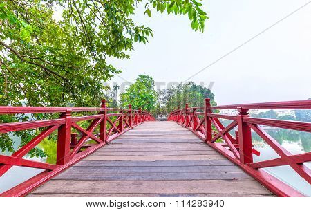 Path to The Huc bridge spanning Ngoc Son Temple