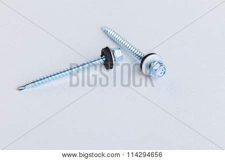 Screws, nuts, joinery fittings, various accessories for the home.