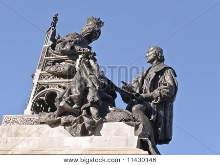 sculpture of Isabel the Catholic and Christopher Columbus