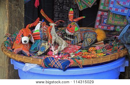 handmade toys and souvenirs of hmont nationality
