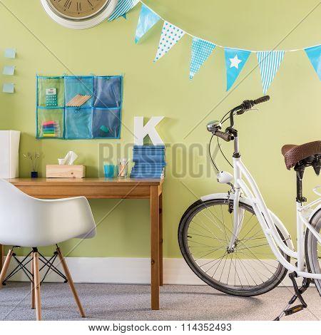 Spacious New Design Teenager Room