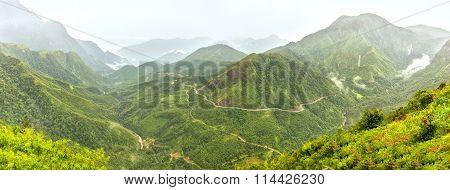 Panorama O Quy Ho Pass, Lao Cai, Vietnam