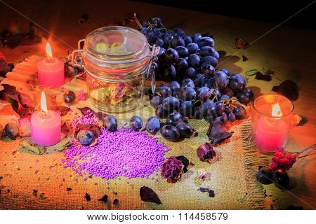 Beautiful still life with grapes. beautiful work.