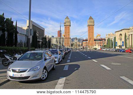 Barcelona, Catalonia, Spain - December 13, 2011: Avinguda De La Reina Maria Cristina - Street Leadin