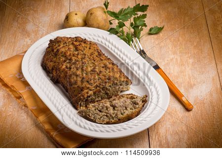 meatloaf with potatoes and parsley