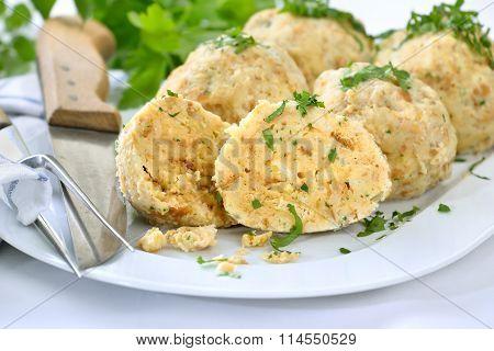 Bread dumplings
