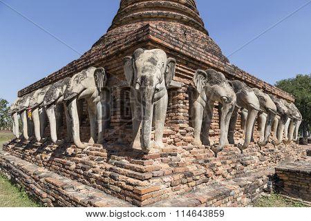Reconstucted Elephant Chedi at Wat Sorasak