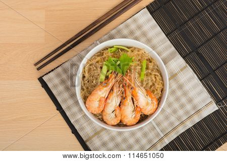Baked Vermicelli With Shrimp In Wood Dish