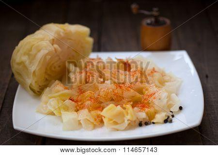 Sauerkraut salad with cayenne pepper