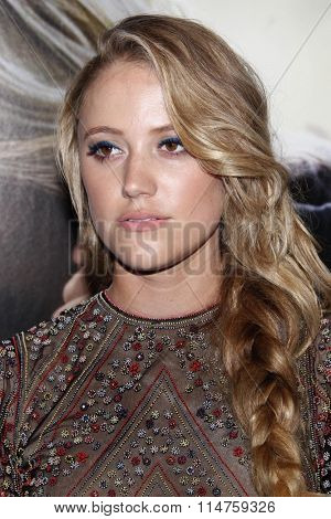 vLOS ANGELES - JAN 14:  Maika Monroe at the The 5th Wave Los Angeles Premiere at the Pacific Theatres At The Grove on January 14, 2016 in Los Angeles, CA