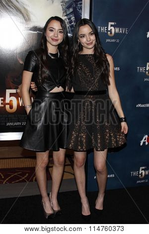 vLOS ANGELES - JAN 14:  Veronica Merrell, Vanessa Merrell at the The 5th Wave Los Angeles Premiere at the Pacific Theatres At The Grove on January 14, 2016 in Los Angeles, CA