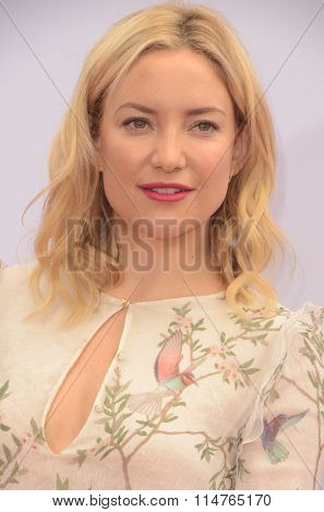 LOS ANGELES - JAN 16:  Kate Hudson at the Kung Fu Panda 3 Premiere at the TCL Chinese Theater on January 16, 2016 in Los Angeles, CA