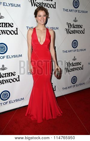 vLOS ANGELES - JAN 9:  Ashley Hinshaw at the The Art of Elysium Ninth Annual Heaven Gala at the 3LABS on January 9, 2016 in Culver City, CA